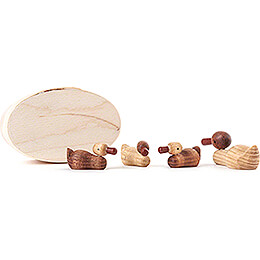 Duck Family natural in Wood Chip Box  -  3cm / 1.2 inch