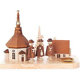 Kerzenhalter mit Seiffener Kirche, Haus und Kurrende  -  12cm