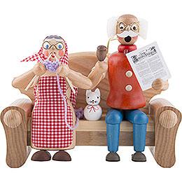 Räuchermännchen Großeltern auf dem Sofa  -  17cm