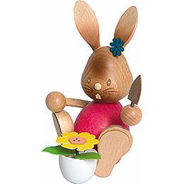 Snubby Bunny Gardener  -  12cm / 4.7 inch