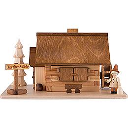 Traditionelles Rauchhaus Alte Mühle mit Wanderer  -  10cm